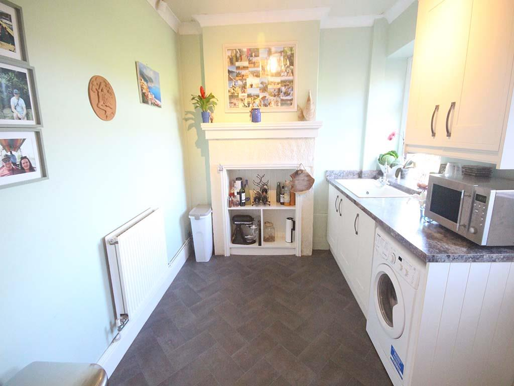 2 bedroom end terrace house For Sale in Winewall - IMG_7312.jpg